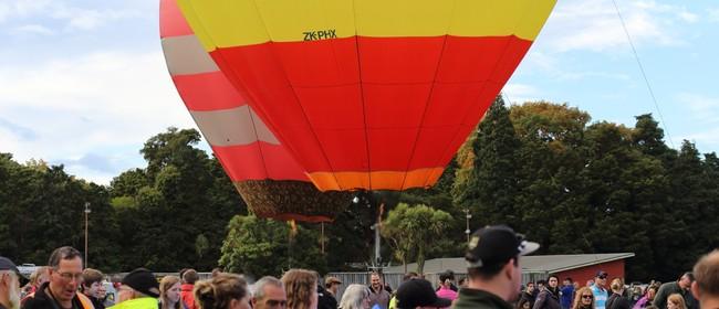 Wairarapa Balloon Festival - McDonald's Park to Paddock