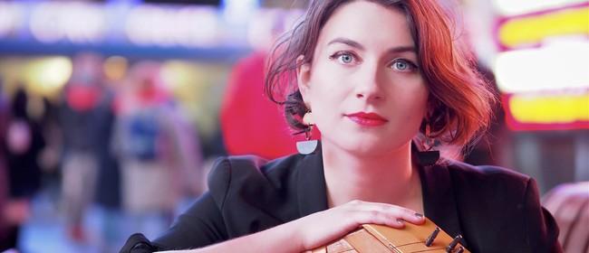 Simona Minns: A Hunger Artist