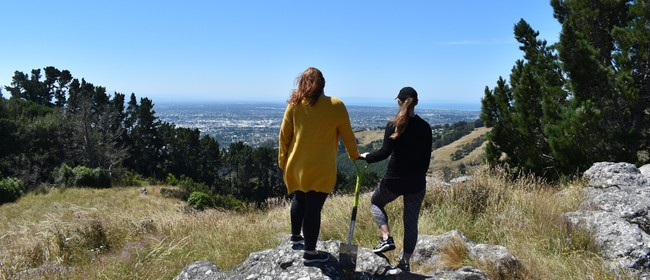 Spade-dating on the Port Hills