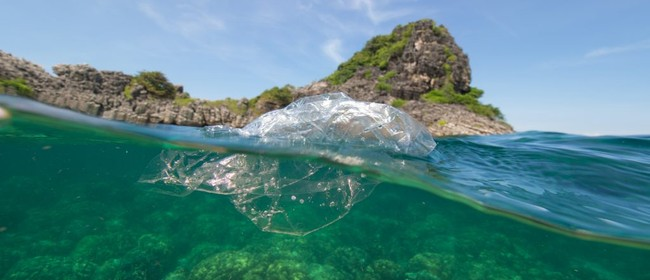 Seaweek - What Is the Plastic Tracker?