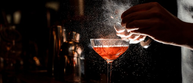Lōemis 2019: Paranormal Readings and Cocktails