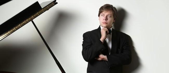 Piano Recital Nikolai Saratovski