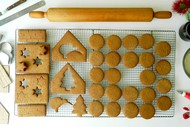 Family Christmas Gingerbread House Workshop