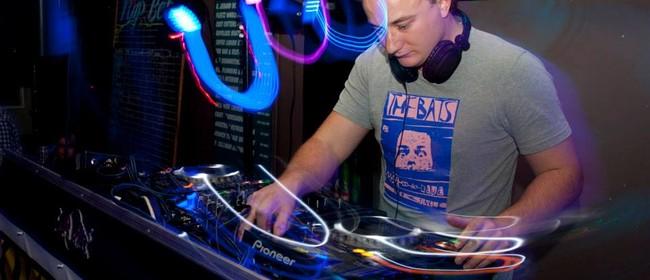 DJ Ben Walker