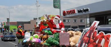Thames Santa Parade