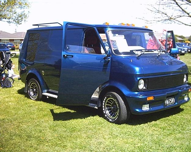 Hanks Garage  Edsel Car Museum  Car Guys