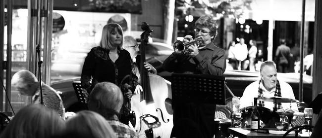 Julie Mason Group with Phil Broadhurst