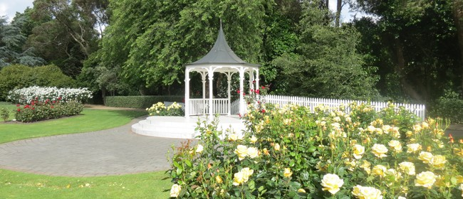 Manawatu Rose Pruning Demonstration