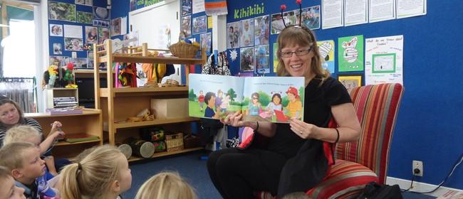 Mataura Childrens Te Reo Singalong Puppet Show - Sharon Holt