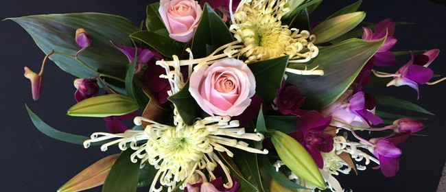 Luxurious Hand Tied Bouquet- Flower Workshop