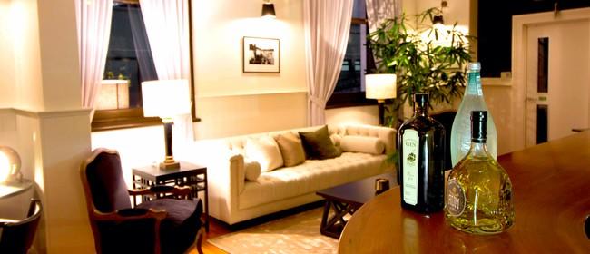 Club Lounge & Eatery Waiwera Hotel
