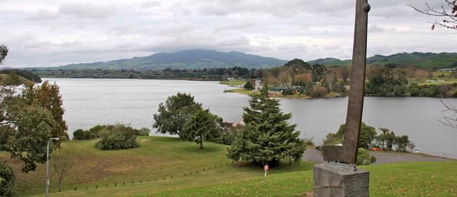 Lake Karapiro - Roadside Stories